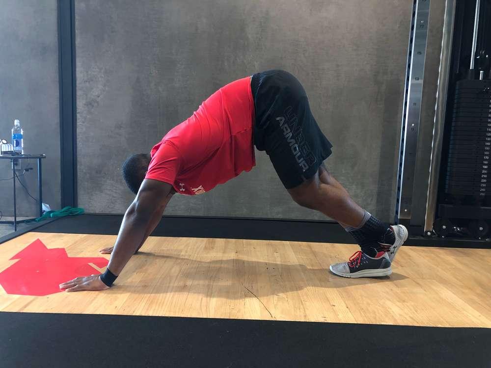 Plank Crossover Stretch
